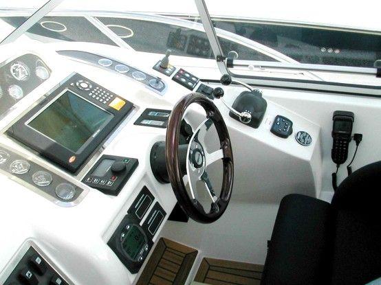 Azur électronique services: Equipement électronique pour bateau : GPS, sondeur, VHF, pilote automatique...