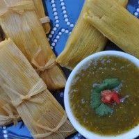 Tamales con 'queso' y chile verde