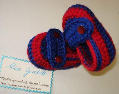 Zapatitos de lana para bebé. Hechos con los colores del Barça, así ir iniciando el interés por el equipo.