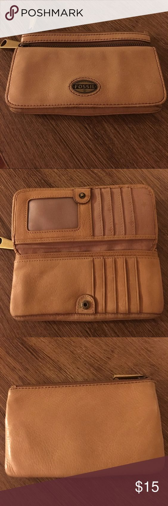 Beautiful tan fossil wallet! This wallet is awesome! In fantastic condition. I would love to keep it but I just need something bigger! ❤️ Fossil Bags Wallets