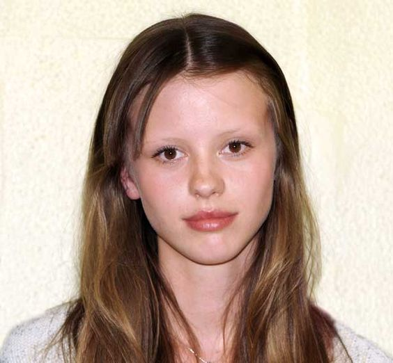 mia goth eyebrows - Google Search | The Beautiful and the ...