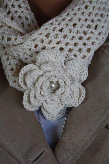 Die Häkelblume mit Perle im Detail - mit Anleitung