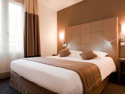 Situé en plein cœur de Versaille, les chambres du Mercure Versailles Château promettent chaleur et modernité, pour un séjour tout en douceur... © Mercure Versailles Château