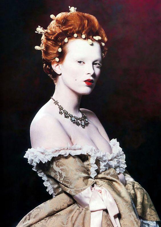 Karen Elson as Elizabeth I ~ Face Forward by Kevyn Aucoin, 2000 http://ana-lee.livejournal.com/222253.html