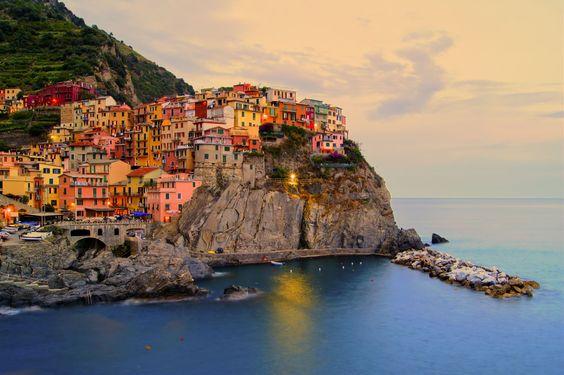 Manarola, #CinqueTerre, Liguria, #Italia. #wanderlust #travel