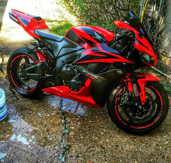 Motorcycles, bikers and more 600 RR