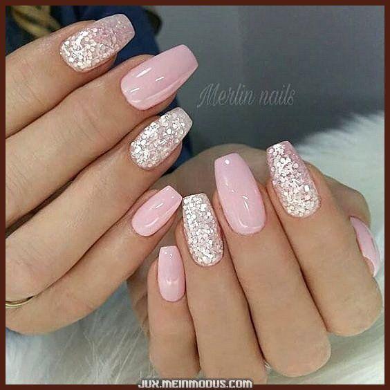 Spektakulare Schone Rosa Nagel Mit Glitzer Rosa Nagel Brautnagel In 2020 Pink Gel Nails Pretty Nail Art Designs Graduation Nails