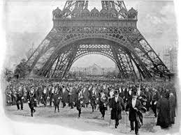 « La plus belle vue de Paris est à son sommet, le seul endroit d'où on ne la voit pas !» Tristan Bernard à propos de la Tour Eiffel , après son inauguration en 1889 ...