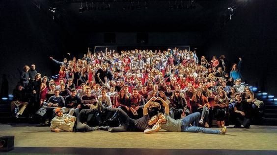 Nuevo llenazo de #HeyBoyHeyGirl en los matinales!! Quieres saber lo que ha visto este maravilloso público?  Te esperamos en el #Teatro #CondeDuque a las 20.00h con nueva función  by lajovencompania