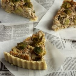 Vegan Quiche with broccoli, brussels sprouts and cauliflower (in Russian)