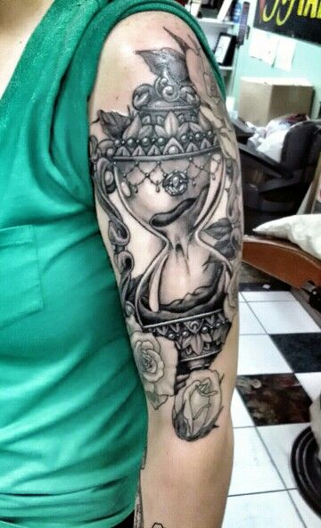Roses Hour Glasses Tattoo: Love The Detail On This One