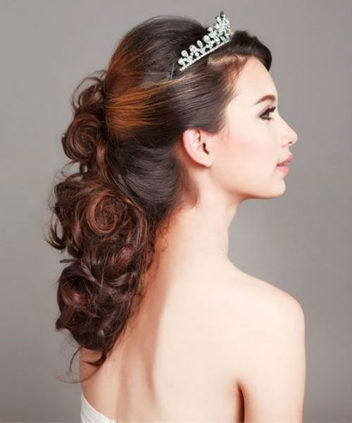 Dazzling Wedding Hairstyles For Long Hair That Will Amaze Everyone Viral Hairstyle Best Wedding Hairstyles Hairdo Wedding Beautiful Wedding Hair