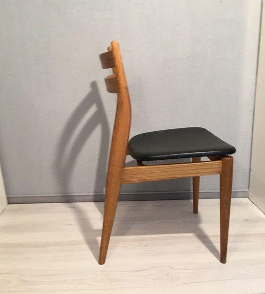 Vintage Stühle - Stuhl Holz Schwarz Kunstleder *Mid Century No.2 - ein Designerstück von Mid-Century-Frankfurt bei DaWanda