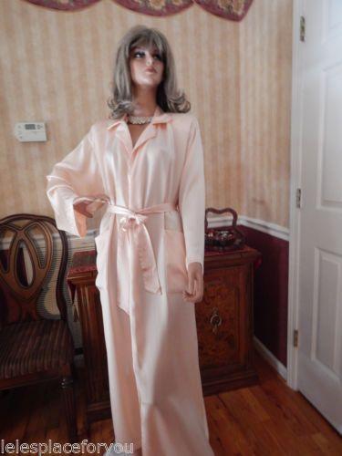 Vtg Victorias Secret SILK Robe Dressing Gown Pale Peach sz M/L Rare GOLD CROWN