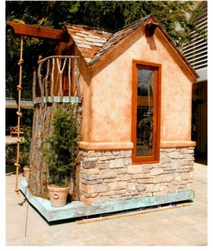I would have loved this playhouse as a kid!