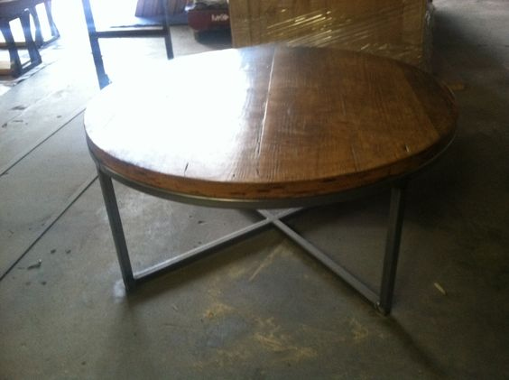 40 In Round Reclaimed Wood Coffee Table With A Steel Tube Base