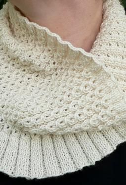 Free Knitting Patterns For Cowls And Neck Warmers : Free Knitting Pattern - Cowls and Neck Warmers: Nougat Neckwarmer Knitting ...