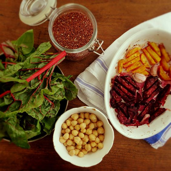 Quinoa and roasted beetroot warm salad, with a tahini, pomegranate dessing @ mytinygreenkitchen.com