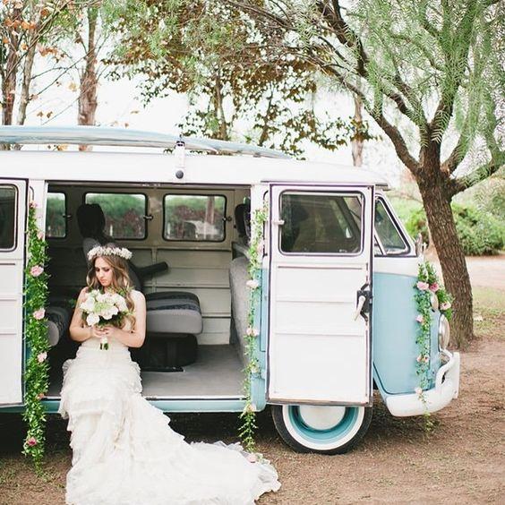 #kombi #KOMBI #bride #casamento #wedding #miniwedding #vintage #details #decor…