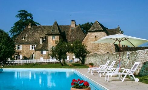 Chateau de Camiller   Correze   Limousin   South West France The 17th century Chateau de Camiller is set in 34 acres of wonderful sunny terraces, gardens and woodland. Sleeps 10 #frenchmaison #rentalproperty #france #holiday #chateau #limousin #southwestfrance #pool #garden