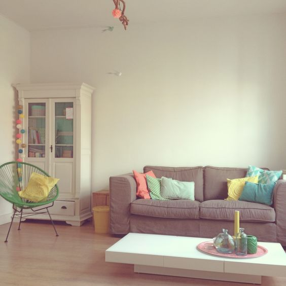 Livingroom #colors #ikea #hema #cottonballights #alcapulcohair #pantone