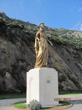 Kusadasi, Turkey: 土耳其,库萨达斯  Statue on the road to Virgin Mary's House ( meryemana)