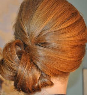 Preen Me/Twisted Bun Tutorial  Lot's of Make up and hair tips....  http://www.preen.me/look/407239