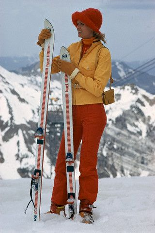 Circa 1970s– Sex symbol Brigitte Bardot on holiday skiing.