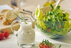 Aliños que transforman una ensalada en un manjar | EROSKI CONSUMER
