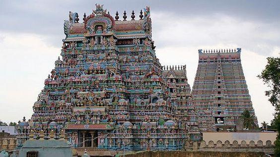 Vishnu Temple, Srirangam, #India  23 de poze cu cele mai frumoase biserici si temple din lume.  Vezi mai multe poze pe www.ghiduri-turistice.info  Sursa : www.flickr.com/photos/fotgrafias/