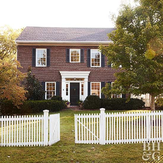 Pick The House Siding Material That S Best For You With Images Exterior Brick House Paint Exterior Shutters Exterior