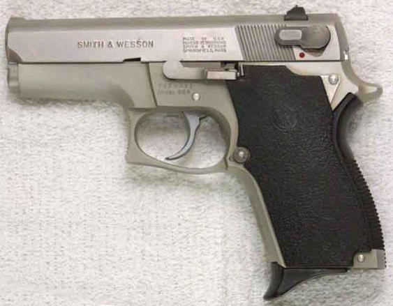 Smith &Wesson Model 669 9mm 12 + 1. DA