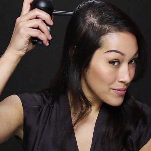 Contro il diradamento dei capelli usate prodotti come Toppik Hair Building Fibers. Toppik trasforma istantaneamente l'aspetto dei capelli fini, sottili o diradati grazie alle sue finissime fibre naturali di cheratina che rendono in pochi secondi i capelli dall'aspetto folto e pieno.  Toppik resiste al vento, alla pioggia e al sudore.