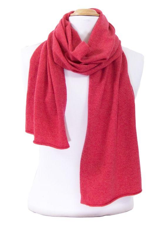 67c0b7fee452 écharpe en cachemire rouge clair   mesecharpes.com   Pinterest ...