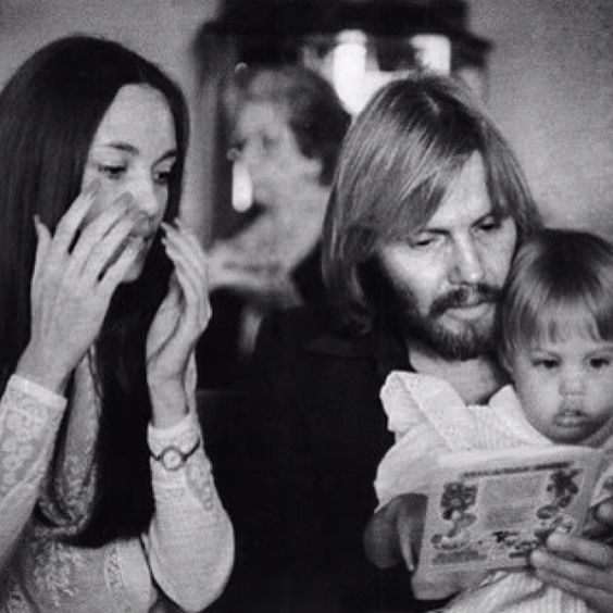 Angelina jolie with parents marcheline bertrand and jon voight
