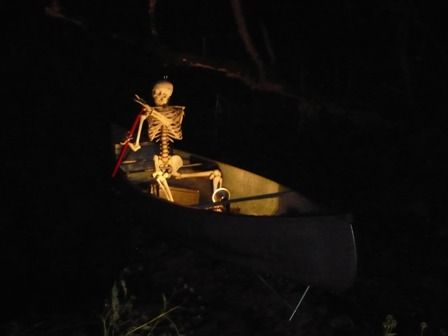 Haunted houses boats and the o 39 jays on pinterest for Haunted house scene ideas