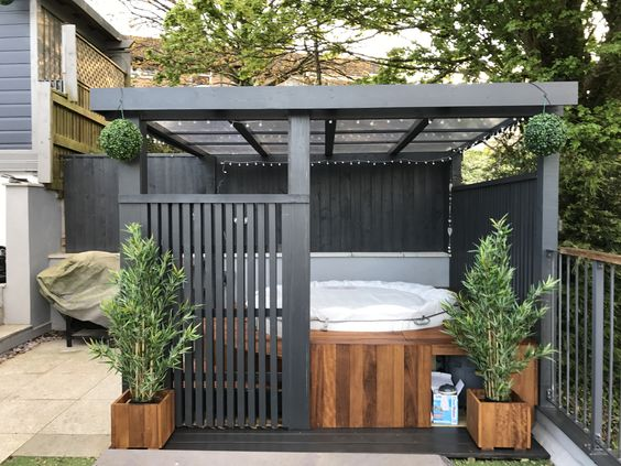 30 Awesome Hot Tub Enclosure Ideas For