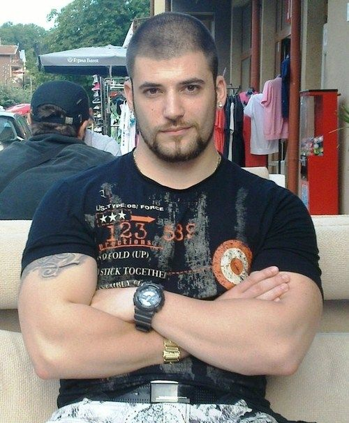 Stanislav Ianevski aka Viktor Krum from Harry Potter and the Goblet of Fire... CLEARLY Hermione made the wrong choice.