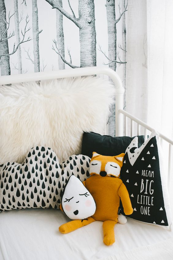 Flawless Pillows Decoration