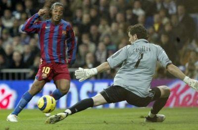 Ronaldinho vs. Casillas #clasico