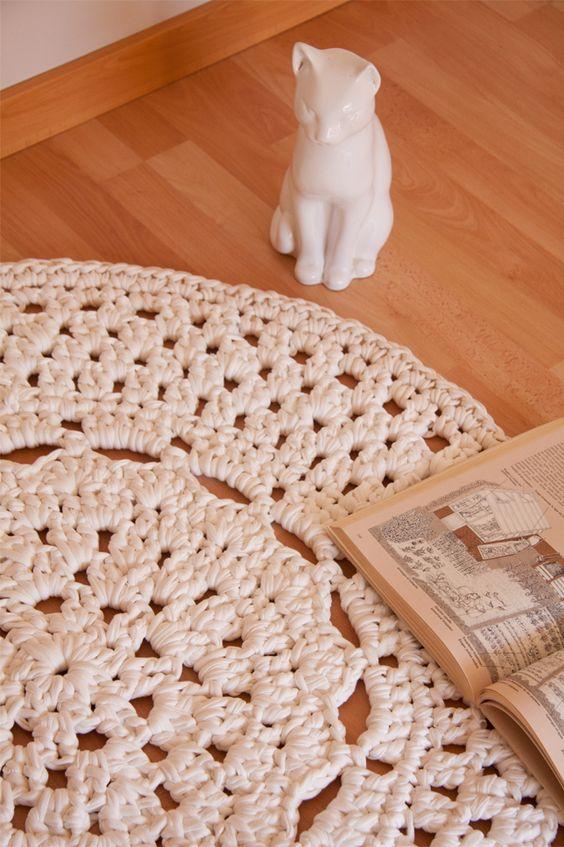 Patr n de alfombra de ganchillo xxl con flor en el centro trapillo ganchillo ganchillo xxl y - Alfombras ganchillo trapillo ...