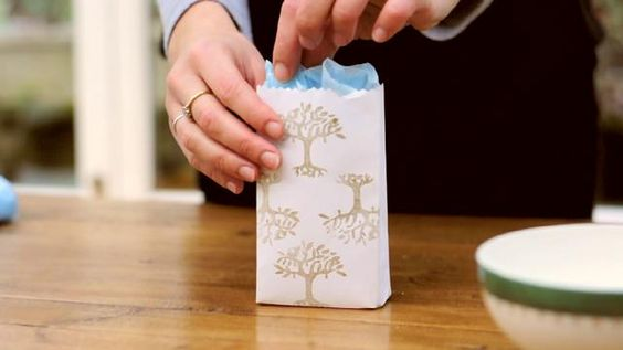 How to make gift bags from envelopes