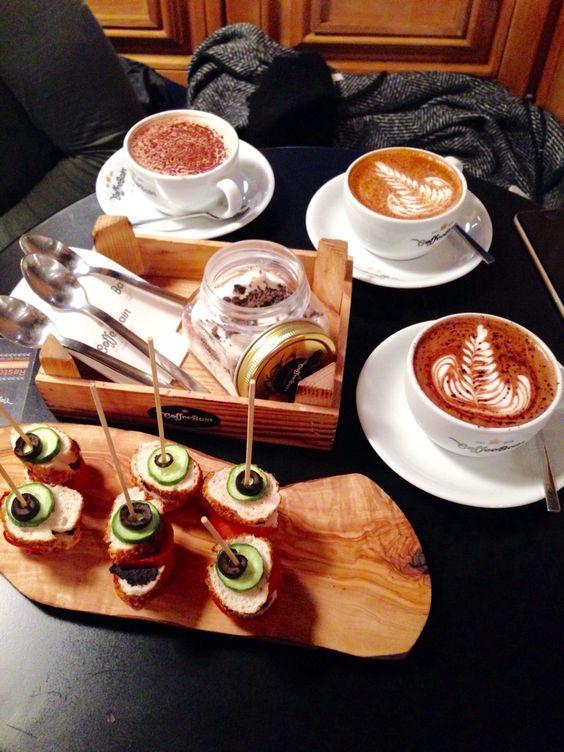 But first coffee and breakfast - #coffeebain #istanbul