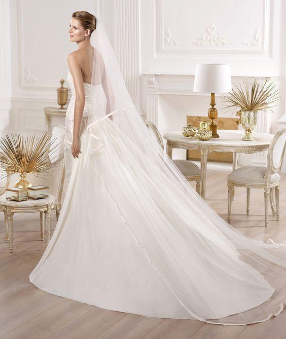 367 Best W Dresses Etc Images On Pinterest Crowns Bridal