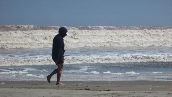 https://flic.kr/p/2bb4U4E | La playa junto al faro