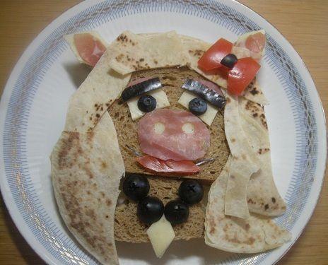 Miss Piggy sandwich from The Muppets.