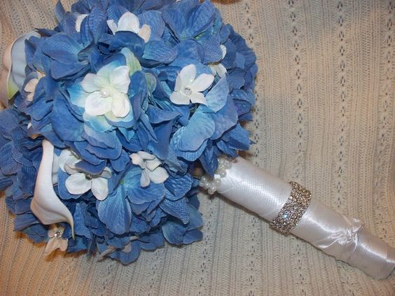 Google Image Result for http://photos.weddingbycolor-nocookie.com/p000013677-m168057-p-photo-439716/Blue-Wedding-Flowers-My-Bouquet.jpg