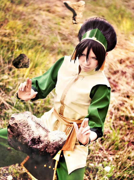 Avatar: Toph Cosplay - AMAZING, she looks EXACTLY like her !