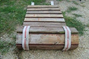 Passarela de mangueira e madeira