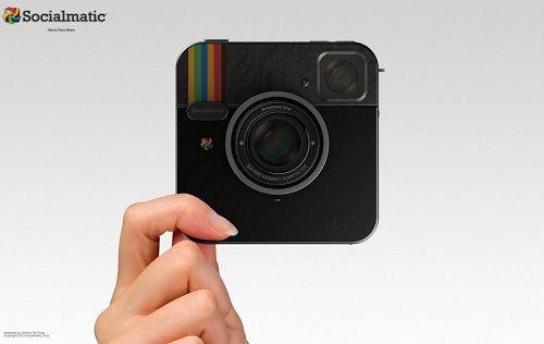 De 'echte' Instagram camera is vanaf 2013 te koop. Met ingebouwde printer en 16 Gb opslag is dit een wel erg tof touchscreen cameraatje. Je krijgt er 2 lenzen bij en met wifi en bluetooth is het delen van foto's een koekje.